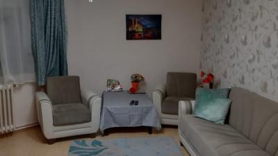 Vanzare Apartament 3 camere, Decomandat, 62 mp, Etaj Intermediar, zona Sens