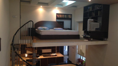 Pret OPTIM ! Vanzare Apartament 5 camere 130 mp Boxa zona P-ta Mihai Viteazu !