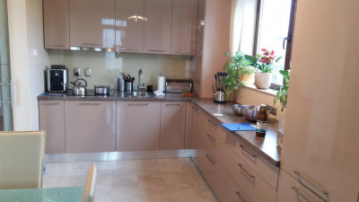 Vanzare apartament 3 camere 90 mp Terasa 15 mp Garaj  zona Zorilor !